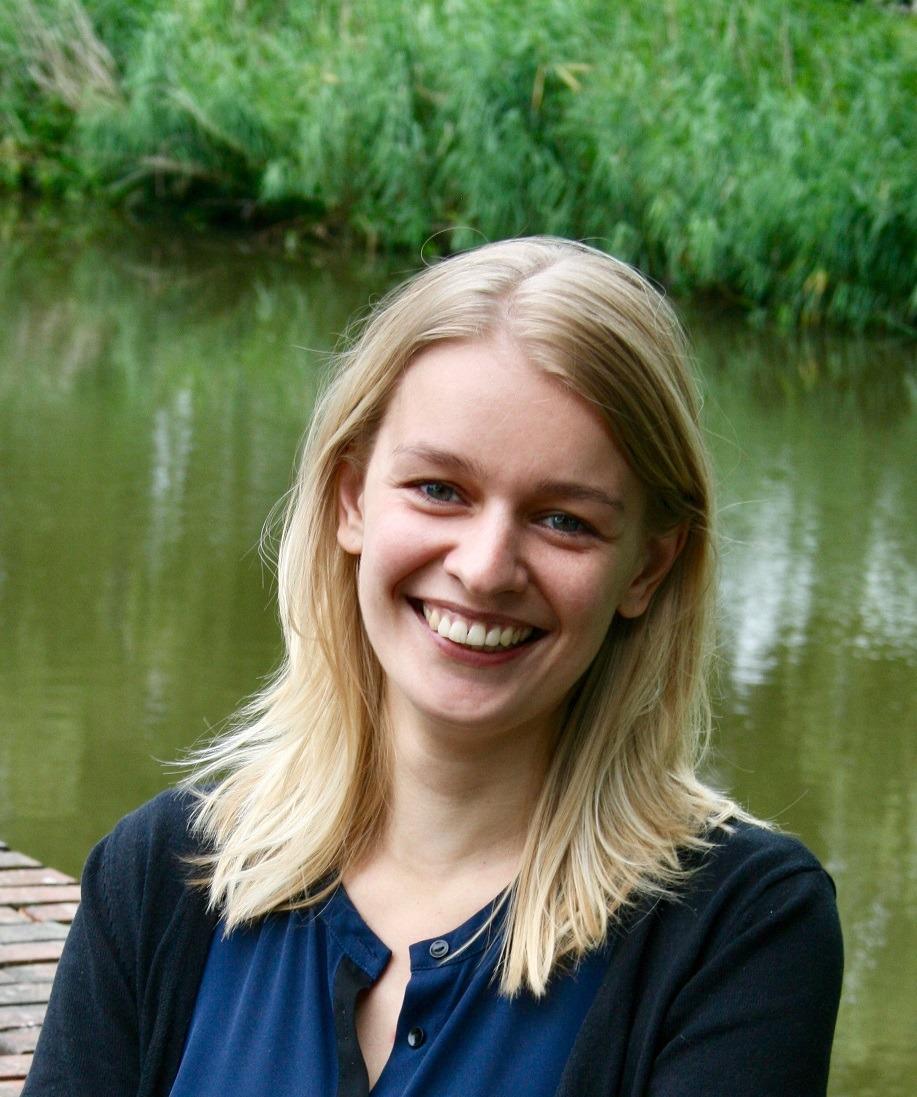 Anke de Vries